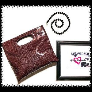 👜 Giannini Genuine Faux Leather Alligator Clutch
